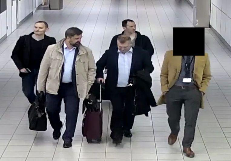 De vier Russische inlichtingenofficieren die Nederland zijn uitgezet vanwege hun operatie tegen de Organisatie voor het Verbod op Chemische Wapens  Beeld ANP Handouts