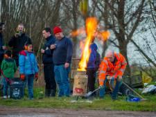 Als vuurwerk niet mag, gaan we gewoon carbidschieten! Of komt er een verbod?