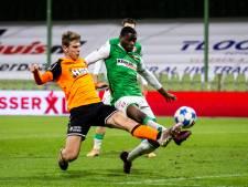 Muringen eert moeder en broer na doelpunt FC Dordrecht: 'Ik denk nog dagelijks aan beiden'