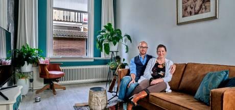 Miranda en Marco wonen in een sprookjesachtig hofje: 'Zelfs veel Dordtenaren weten niet dat dit hier zit'