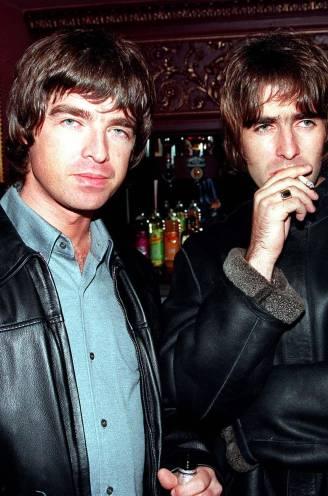 """Het 'rockconcert van het decennium' zette het einde van Oasis in: """"Liam zwaaide met een gitaar als was het een bijl"""""""