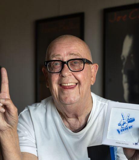 'Zingende loodgieter' uit Emmeloord geniet bij finale The Voice Senior: 'Zonder mijn vrouw was ik maar vijftig geworden'
