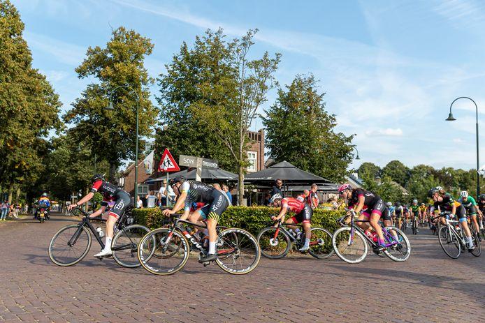 De Open Nederlandse Studenten Kampioenschappen wielrennen in Nuenen.