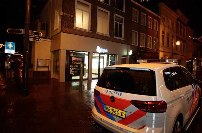 Na een overval op de KPN-winkel in Gorinchem werden dinsdagmiddag vier verdachten aangehouden.