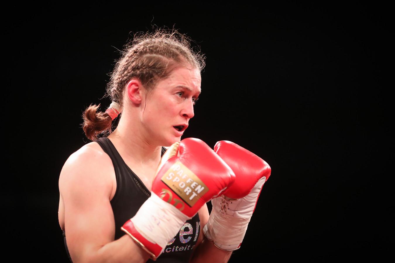 Bokskampioene Delfine Persoon.