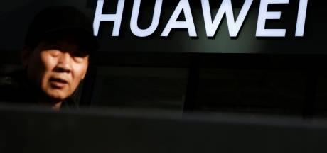 'Trump wil Chinese telecomreuzen Huawei en ZTE in de ban doen'