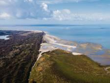 Het badstrand van Rockanje verdwijnt en daar is geen houden aan: 'Een bom onder toeristische bedrijven'