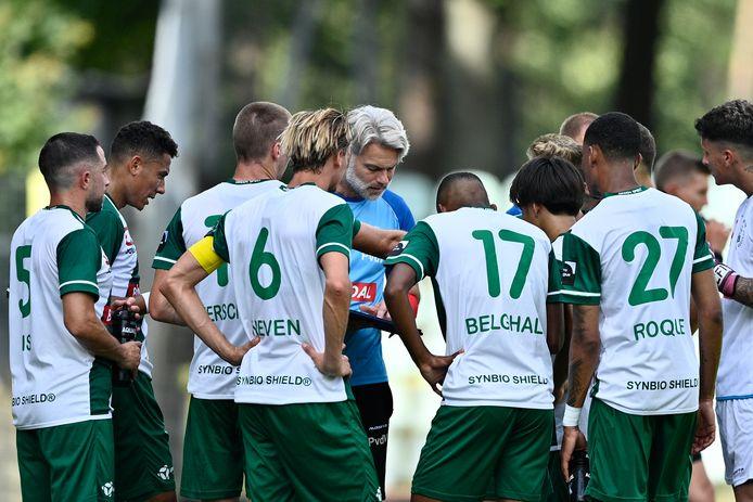 Peter van der Veen met zijn groep.