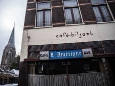 Verfspetters en schildersezels in plaats van bier van de tap: Arnhems café L'Amerique verandert in kunstatelier