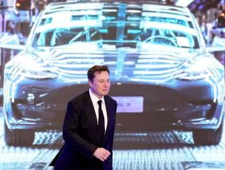 Tesla verdubbelt omzet, maakt voor het eerst meer dan miljard dollar winst