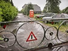Jan B. uit Hulten: 'Ik wil niemand intimideren, ik zat gewoon op de bus te wachten'