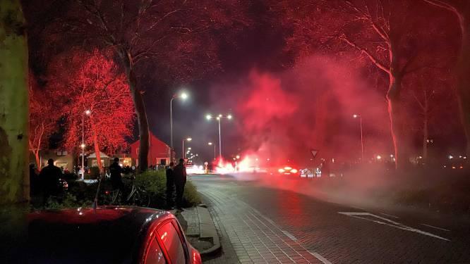 Protest tegen avondklok in Nederland ontspoort: betogers steken teststraat in brand, jongeren keren zich tegen politie