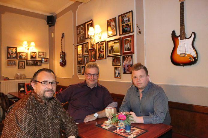Vader Bruno Strauven, een van de trouwe klanten Ronny Puyneers en Robby Strauven vinden de sluiting een pijnlijke beslissing, maar nodig.