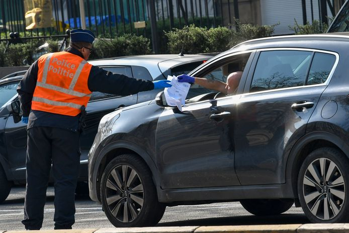 Verscherpte politiecontroles ter controle van de lockdown