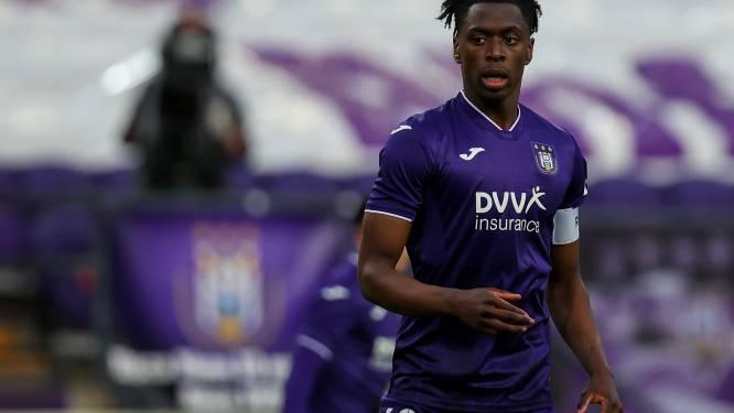 """Sambi Lokonga over een transfer: """"Ik ben bezig met mijn marktwaarde. Maar de bazen beslissen"""""""