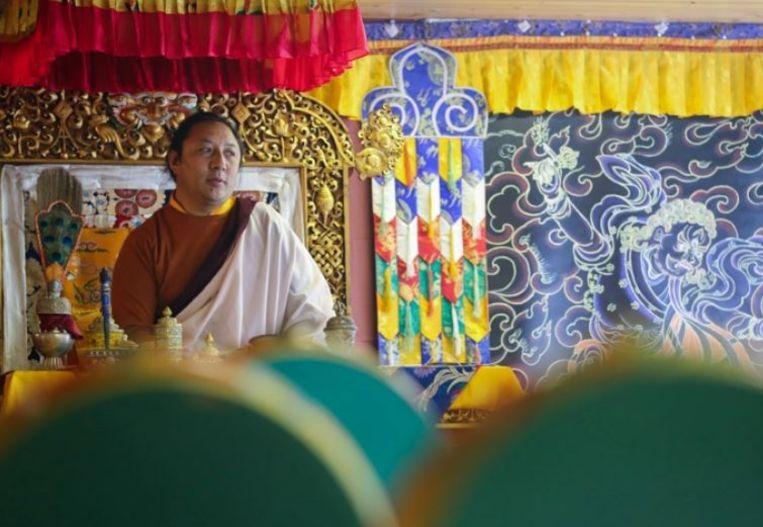 Tegen de Tibetaanse geestelijke Namkha Rinpoche zijn al meerdere klachten van seksueel misbruik binnengelopen.