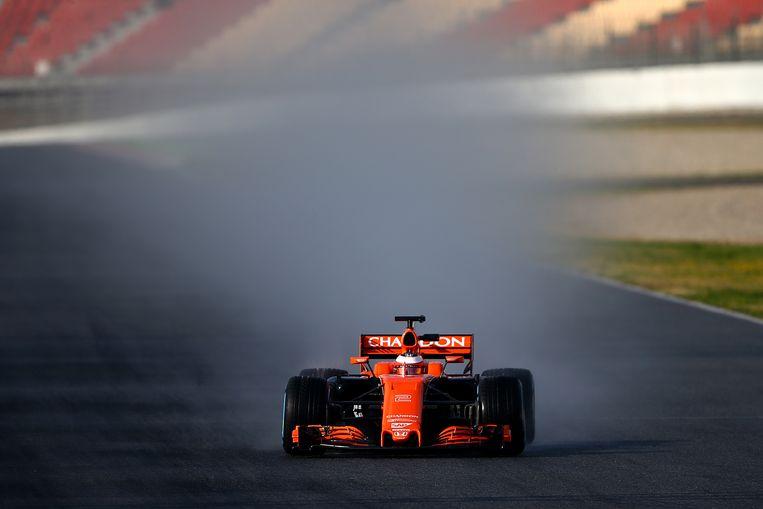 Stoffel Vandoorne test de nieuwe MCL32-bolide op het circuit van Catalonië in het Spaanse Montmelo.  Beeld Getty Images