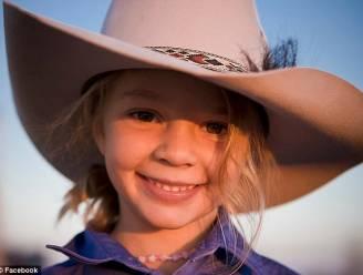 """Mama omhelsde levenloze lichaam van gepeste Dolly (14) nog urenlang: """"Ik voelde me zo enorm schuldig"""""""