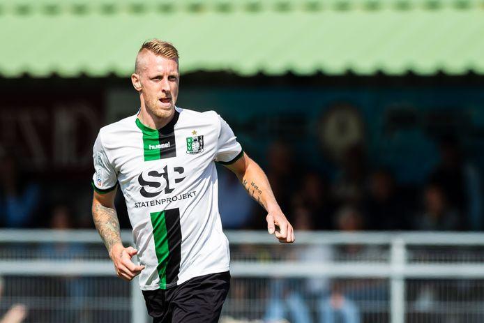 Nieuweling Lex Immers zaterdag tijdens zijn eerste competitiewedstrijd bij Scheveningen op Houtrust.