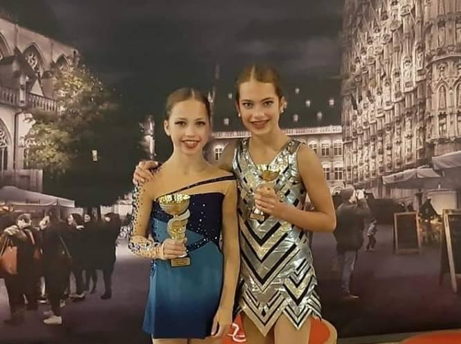 """Nina (14) is wereldtop in het schaatsen en mag in buitenland prijzen pakken, zus Lily (16) is Belgische top, maar mag zelfs niet meer trainen: """"Mentaal is dit verschrikkelijk"""""""