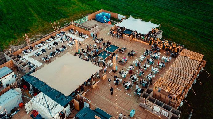 Ook de zomerbar Absolut Beach wordt zaterdag een EK-supporterszone