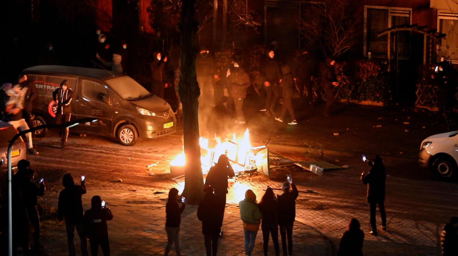 Haarlem - Rondom de Belgielaan in Schalkwijk Haarlem zijn maandagavond ongeregeldheden uitgebroken.