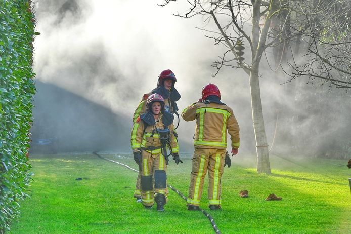 Man zwaargewond bij brand in Valkenswaard