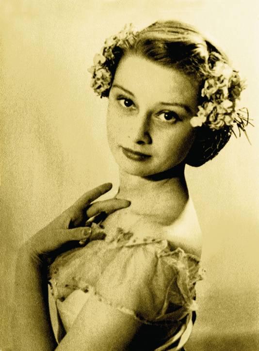 Audrey Hepburn, april 1946, Arnhem.