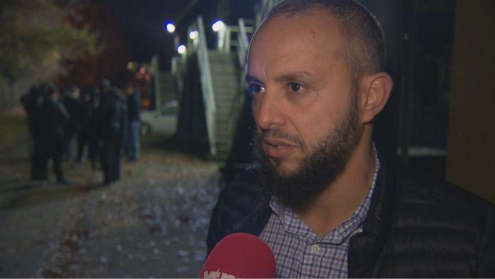 Mohamed Achahbar, de jeugdcoach die zich tegen het verplicht naakt douchen uitsprak en opkwam voor zijn gestrafte jeugdspelers.
