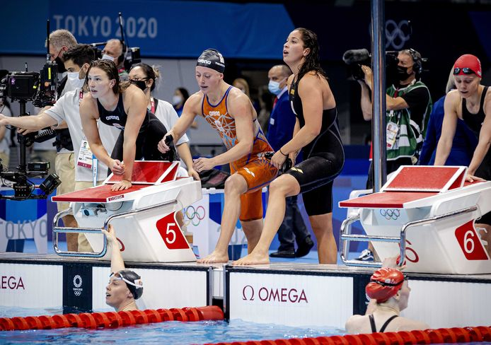 Kim Busch, Femke Heemskerk, Ranomi Kromowidjojo en Kira Toussaint na de 4x100 meter.