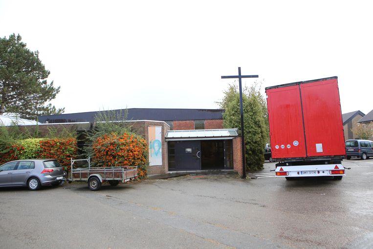 De kerk van het Poelske wordt dit jaar gesloopt. De vzw Martine Van Camp bouwt hier een nieuw woon- en dagcentrum.