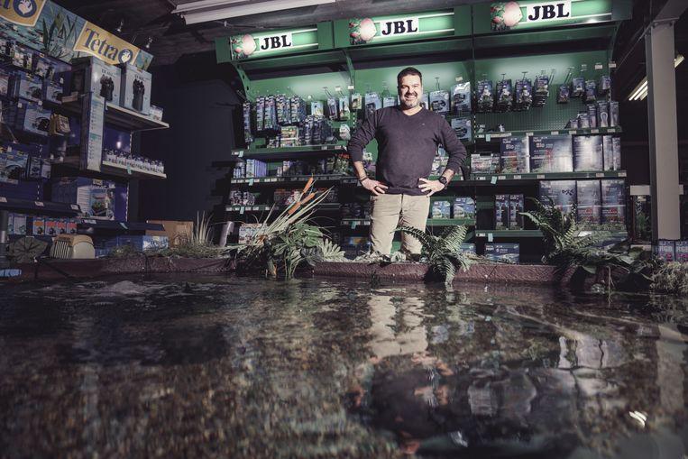 Christophe Van Garsse verliet zijn natuurlijke habitat – de sportzaal – voor een booming business. Beeld © Stefaan Temmerman