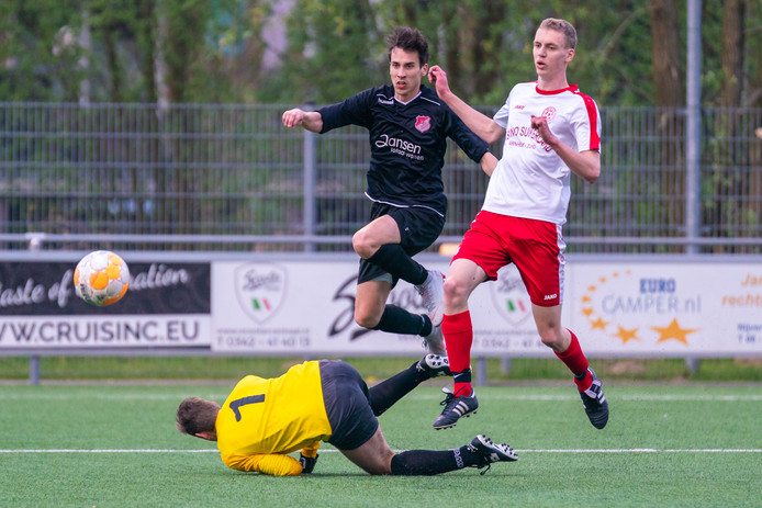 MASV - Jonge Kracht in de Arnhem Cup vorig jaar, toen de Huissenaren ook al de baas waren over de Arnhemmers.