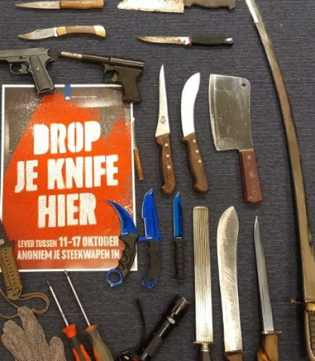 Dankzij de wapeninleveractie van de politie zijn er nu 104 minder steekwapens in onze regio