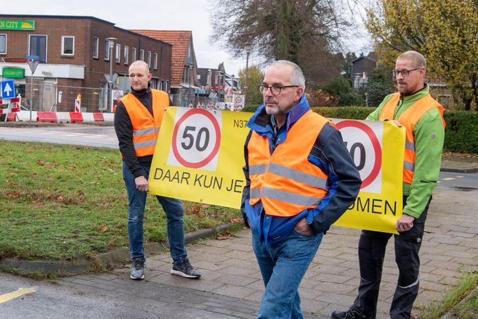 Voorman Nico van der Vegt van de werkgroep 'N377 moet veilig' voert in november 2020 samen met Gerwin Kijk in de Vegte en Hugo Haan actie voor maximaal 50 km per uur, om ongelukken te voorkomen. Die maximum snelheid is inmiddels ingevoerd.