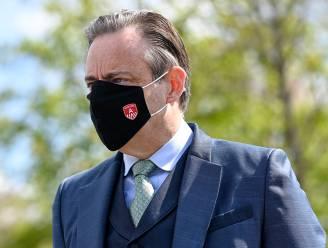 Bart De Wever 'geschandaliseerd' door late regels over terrassen: 'Geen sikkepit goesting om dit te handhaven'