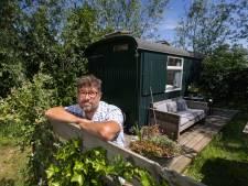 Pipowagen in Kamper achtertuin in gevarenzone: dwangsom dreigt