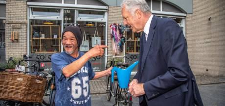 Op de fiets hadden we een openhartig afscheidsinterview met burgemeester van Zwolle: 'Denk groter'