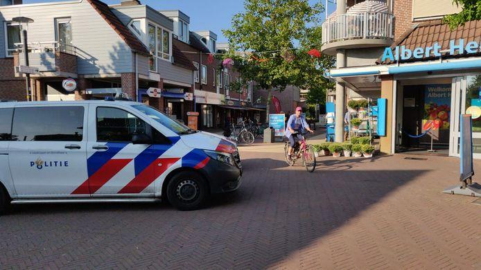 Vrijdagmiddag vond er bij de Albert Heijn aan de Varkensmarkt in Lichtenvoorde een steekpartij plaats