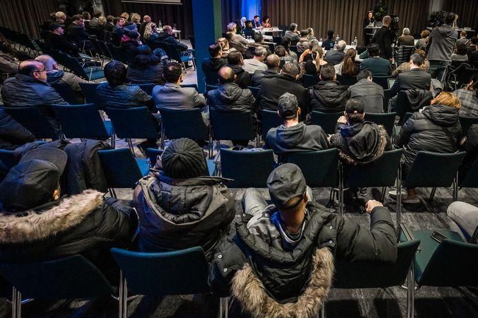 Chroom-6 slachtoffers tijdens een avond waarop over hun vergoeding gesproken werd. ARCHIEFFOTO