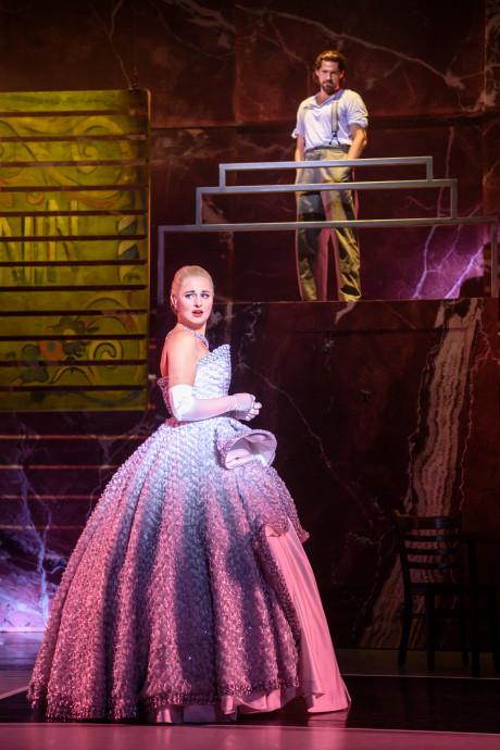 Achter de schermen bij Evita: Het is hard, maar the show must go on