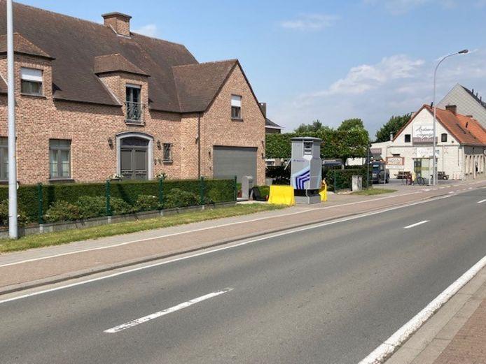 De Lidar-flitspaal staat in de Lotenhullestraat.