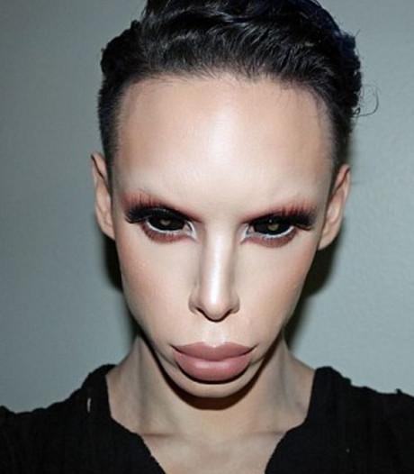 Vinny (22) laat zich ombouwen tot genderneutrale alien