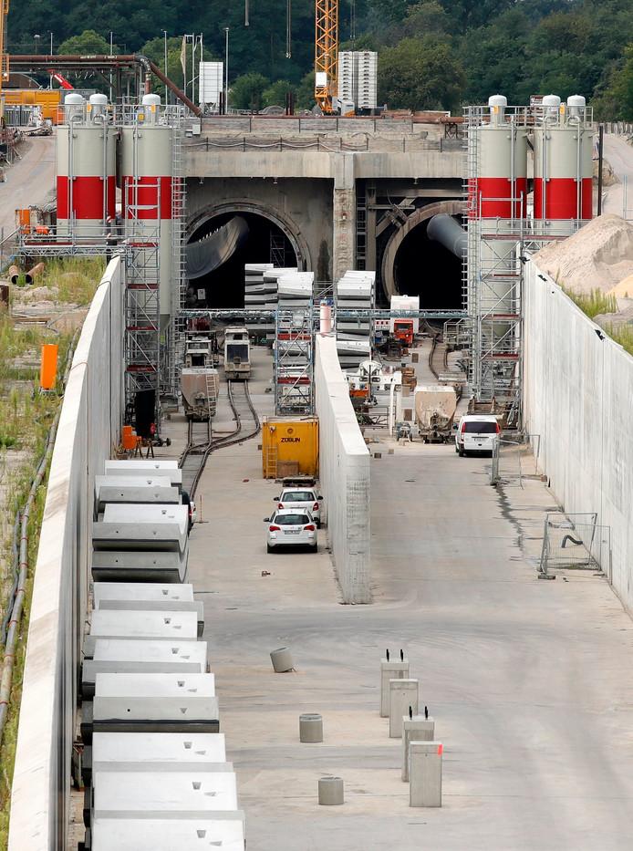 De problemen ontstonden bij een 4.300 meter lange tunnel bij Rastatt.