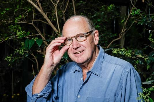 Philip Freriks kreeg vorige week tijdens het Radio 1-programma OVT live te horen dat zijn wekelijkse column wordt stopgezet. Er was sprake van een vergissing: de vaste presentatoren dachten dat Freriks al op de hoogte was en bovendien zelf wilde stoppen.