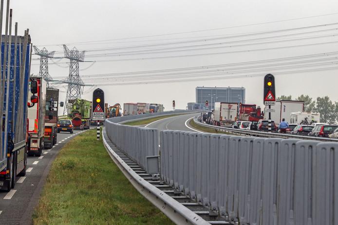Als er zich iets bijzonders voordoet, zoals een brug die niet meer dicht wil, dan is dat voortaan te vinden op flevowegen.nl