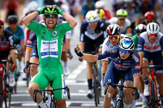 Nummer 33 voor Mark Cavendish, die op donderdag 1 juli voor de derde keer de sprint won in Châteauroux.