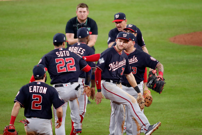 Vreugde bij de honkballers van de Washington Nationals.