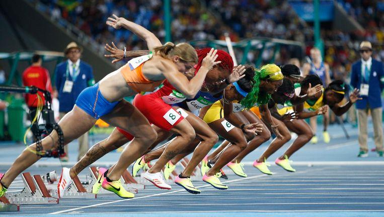 Dafne Schippers na het startschot op de 100 meter. Beeld epa