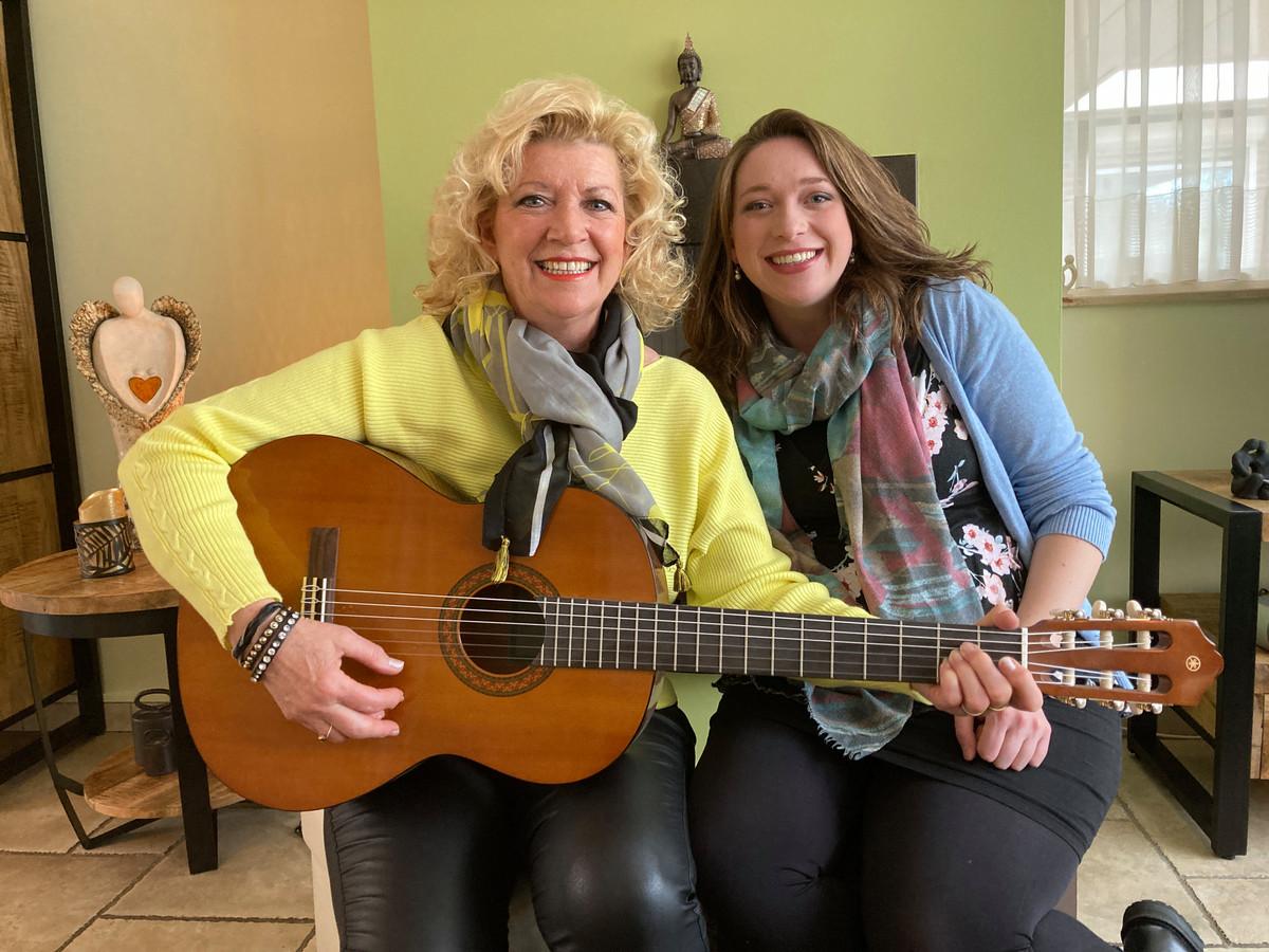 Muziek is voor Nelleke Brzoskowski en haar dochter Lisa van levensbelang